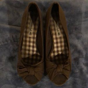 American Eagle Wedge Shies Size 9